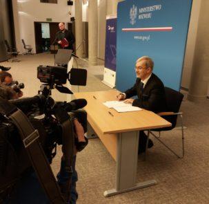 Polska Rosja kwiecinski Twitter Ministerstwo Rozwoju 303x295 - 41,65 mln euro na projekty w Programie Polska - Rosja 2014-2020