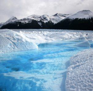 """glacier 530050 303x295 - """"Upał"""" w Arktyce, a w Europie siarczyste mrozy"""
