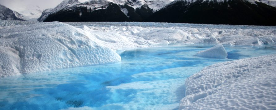 """glacier 530050 892x356 - """"Upał"""" w Arktyce, a w Europie siarczyste mrozy"""