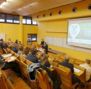 seminarium imgw 28022018 1 303x295 - Seminarium: Opracowanie planów adaptacji do zmian klimatu w miastach powyżej 100 tys. mieszkańców – MPA – projekt i realizacja