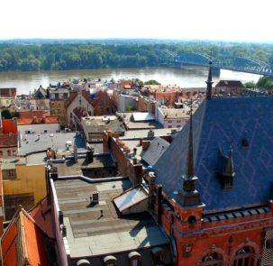 torun 419205 303x295 - Warszawa, Toruń, Wrocław – najbardziej zrównoważone miasta w Polsce