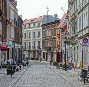 dluga street 903730 303x295 - XI Klimatyczne Forum Metropolitarne w Bydgoszczy – 11-12 czerwca 2018