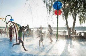 0 300x198 - Wodny plac zabaw alternatywa na upały dla dużych i małych